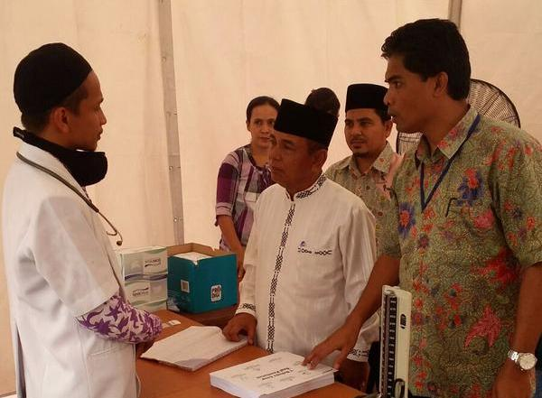 Regent of Pelalawan, HM Harris visiting our medical services in Kerinci