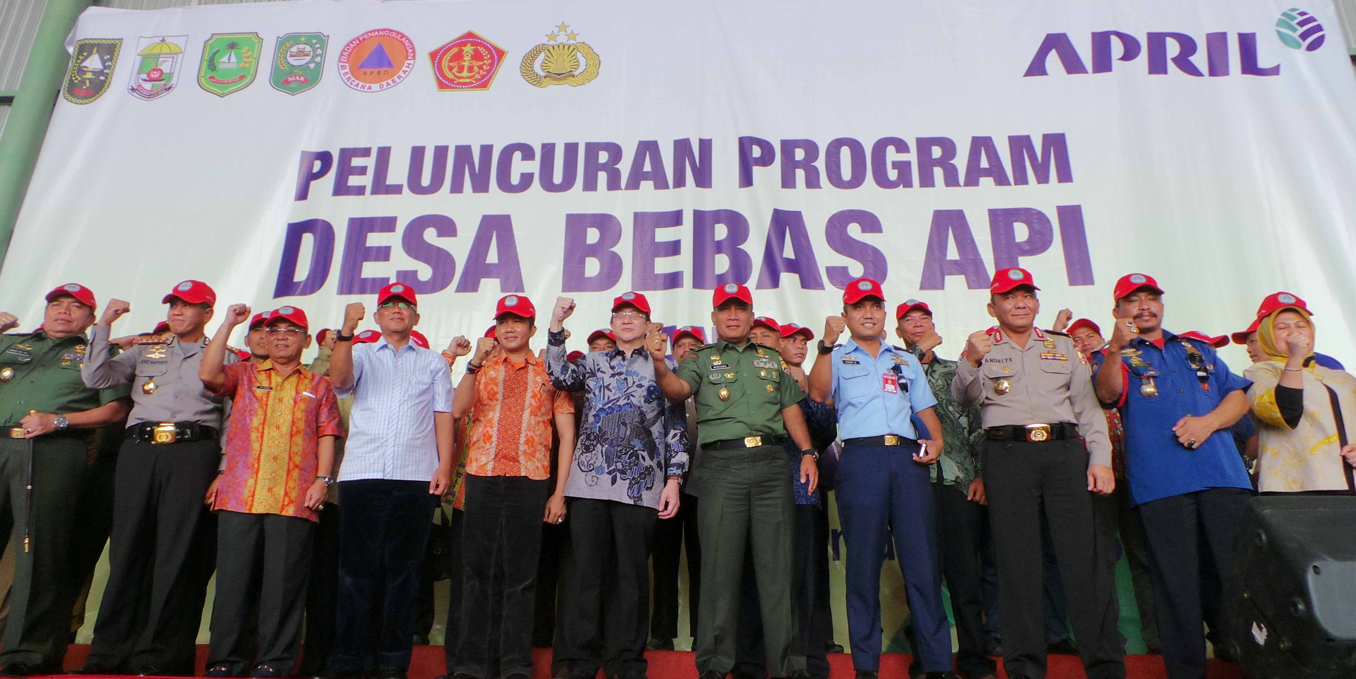 Fire Free Village Program (FFVP) 2016 Launch Event in Pangkalan Kerinci, Riau attended by participating village chiefs, civil society group representatives as well as Riau government and law enforcement officials
